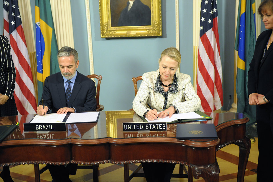 Secretary Clinton and Brazilian Foreign Minister Patriota Sign the U.S.-Brazil Aviation Partnership Memorandum