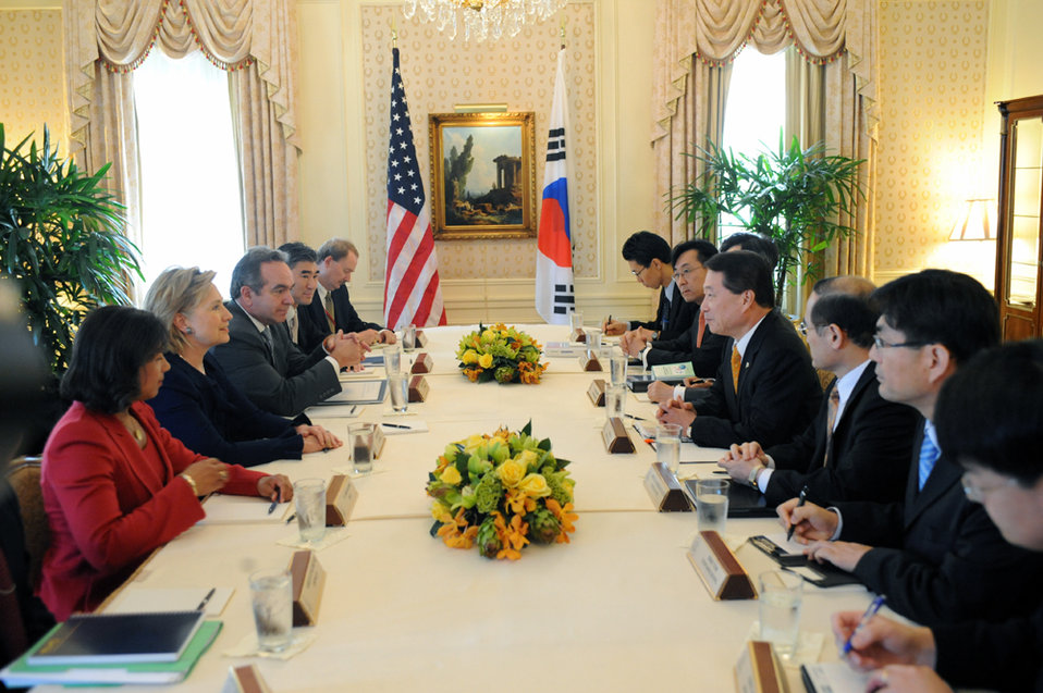 UNGA 2009: Secretary Clinton Meets With South Korean Foreign Minister