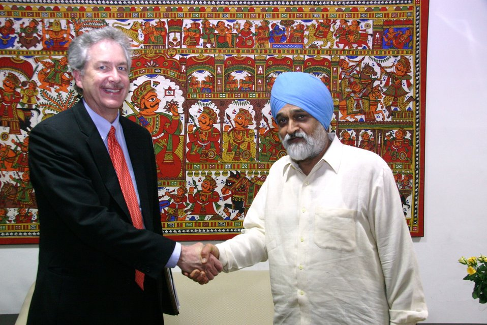 Under Secretary Burns Shakes Hands With Indian Deputy Chairman of the Planning Commission Montek Singh Ahluwalia