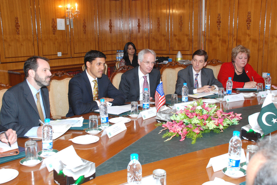 US officials Meeting with Minister of Foreign Affairs, Assistance to Pakistan Remains Strong at Islamabad on April 14, 2012