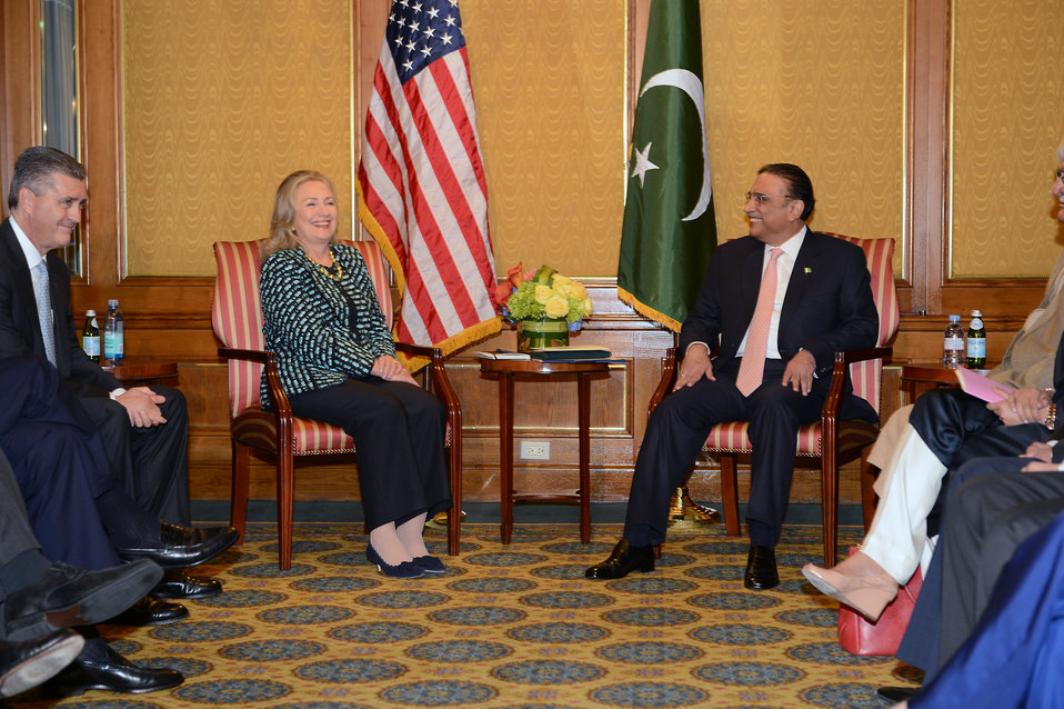 Secretary Clinton Meets With Pakistani President Zardari