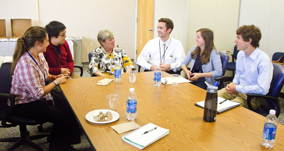 Assistant Secretary Gottemoeller Meets With Students at Los Alamos National Laboratory