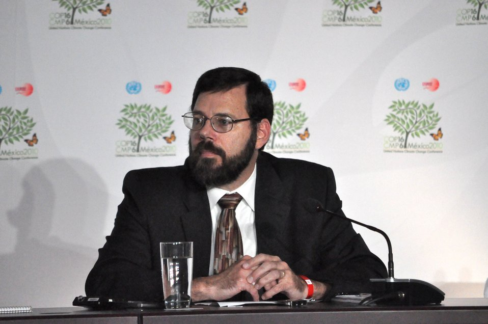 Deputy Special Envoy Pershing Leads the U.S. Press Briefing at COP-16