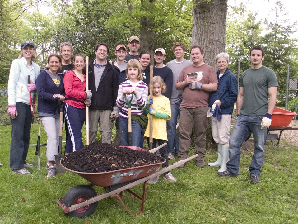U.S. Department of State Volunteers Join in Earth Day Volunteer Effort