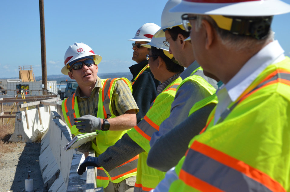 Brian Szydlik leads World Bank tour of Folsom Dam auxiliary spillway project