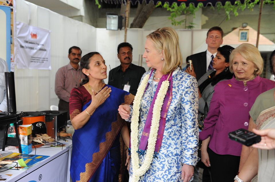 Dr. Balakrishnan Describes How the Clean Cookstoves Function to Secretary Clinton and Ambassador Verveer