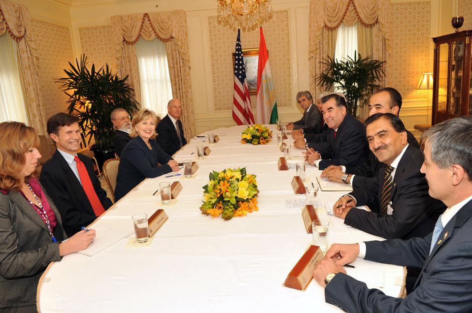 UNGA 2009: Secretary Clinton Meets With Tajikistan President