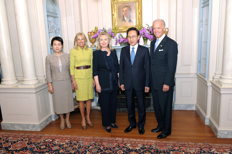 Vice President Biden, Republic of Korea President Lee, Secretary Clinton, Dr. Biden, and Mrs. Kim Pose for a Photo
