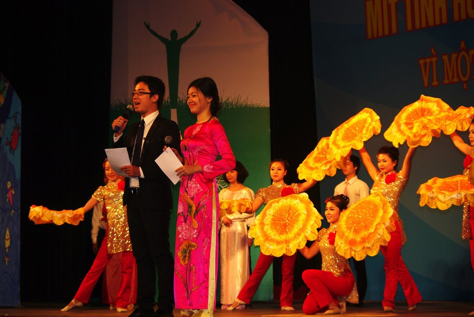 Performers at the World TB Day Event in Hanoi