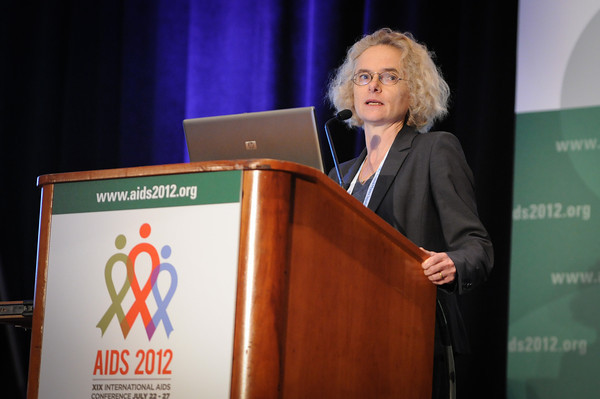 Dr. Volkow Speaks at International AIDS Conference - 4