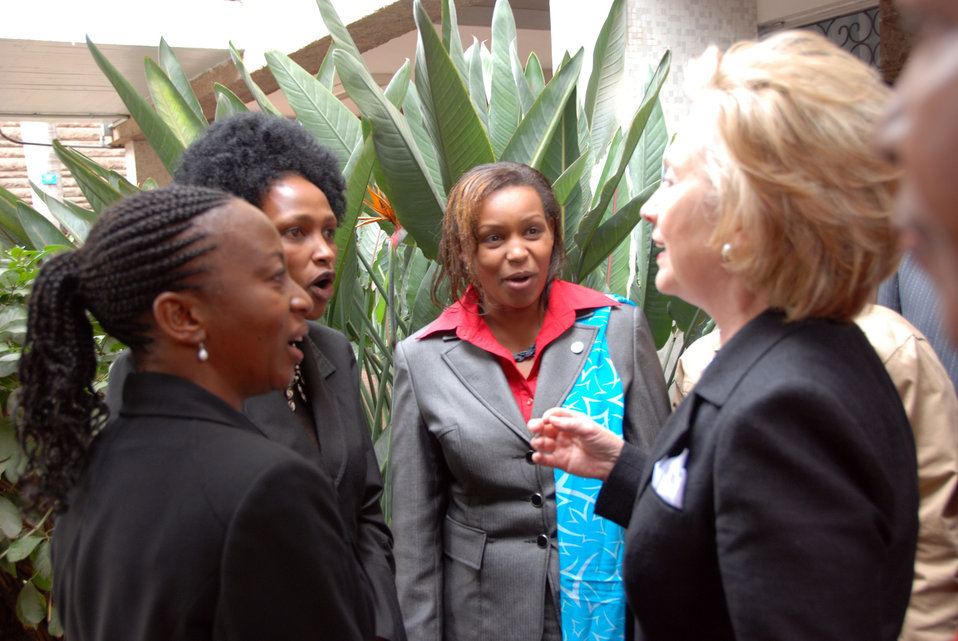 Secretary Clinton Visits Nairobi University