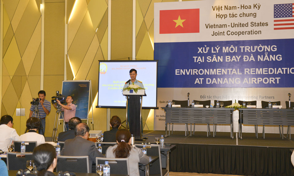 Colonel Do Duy Kien, Head of Military Science Office, Air Force-Air Defense Command, speaks at the Community Outreach Session on Environmental Remediation of Dioxin Contamination at Danang Airport Project