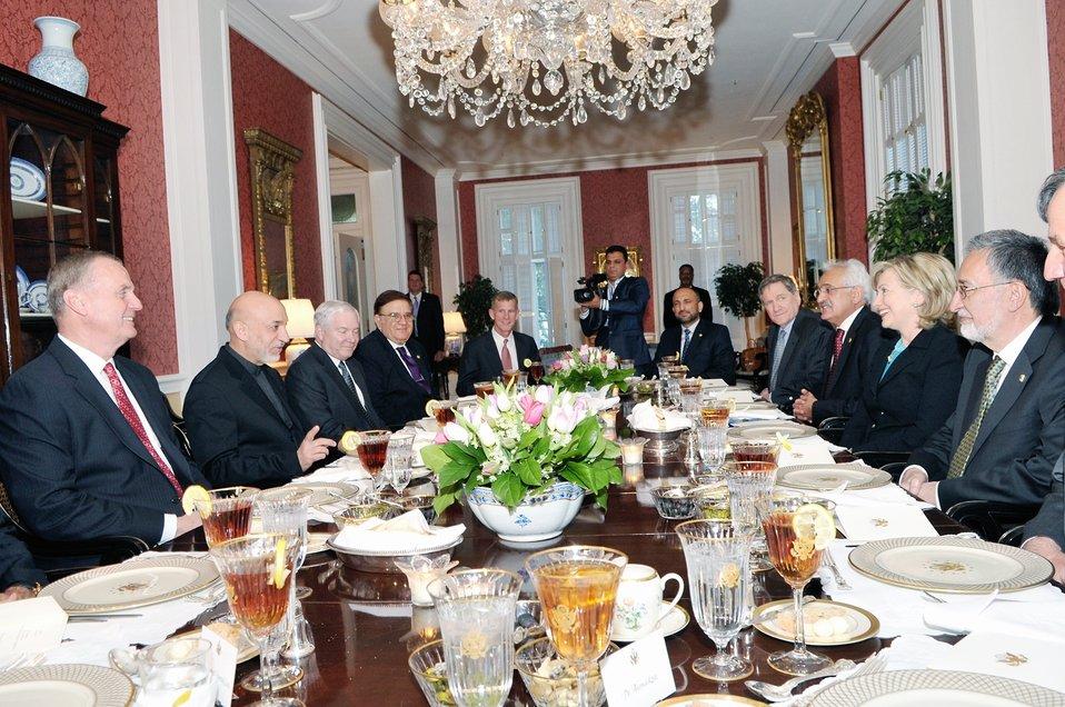 Secretary Clinton Hosts Dinner for Afghan President Karzai