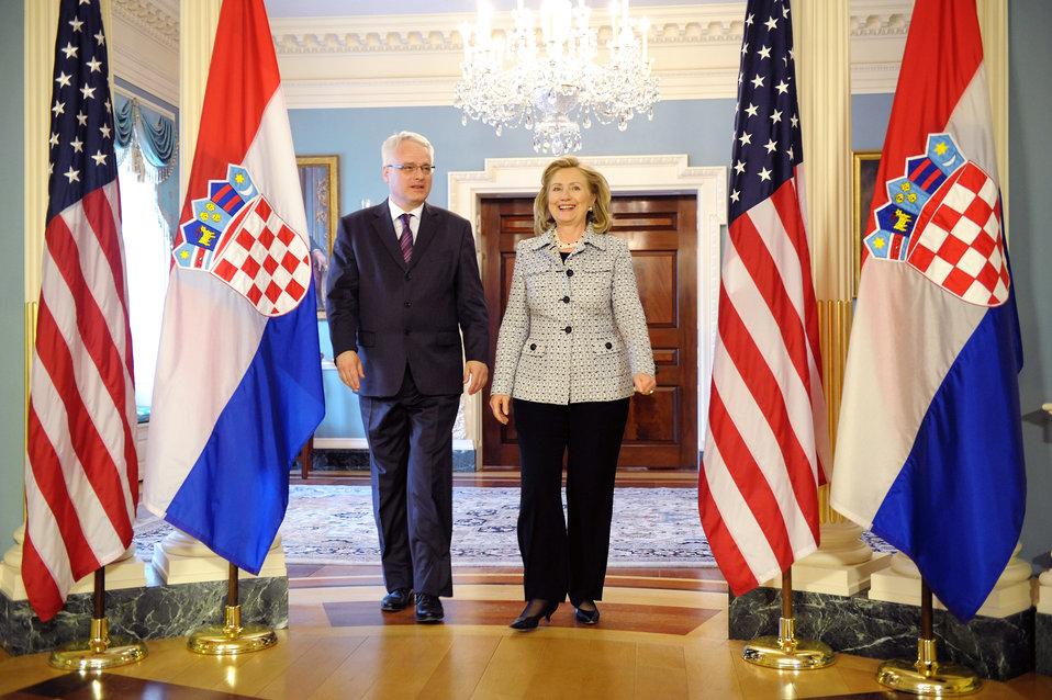 Secretary Clinton and Croatian President Josipovic Enter the Room