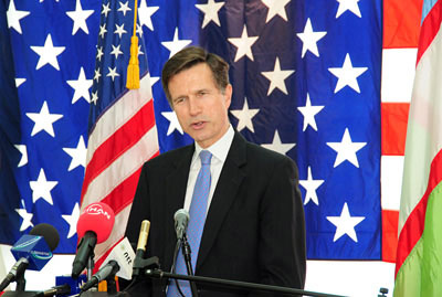 Assistant Secretary Blake Leads a Press Conference
