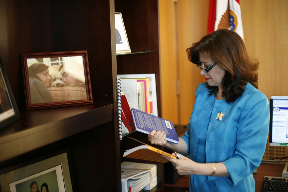 Under Secretary Sonenshine Prepares for her Swearing-In Ceremony