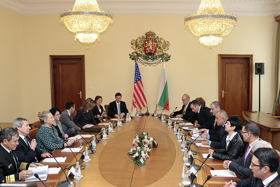 Secretary Clinton Meets With Bulgarian Ministers