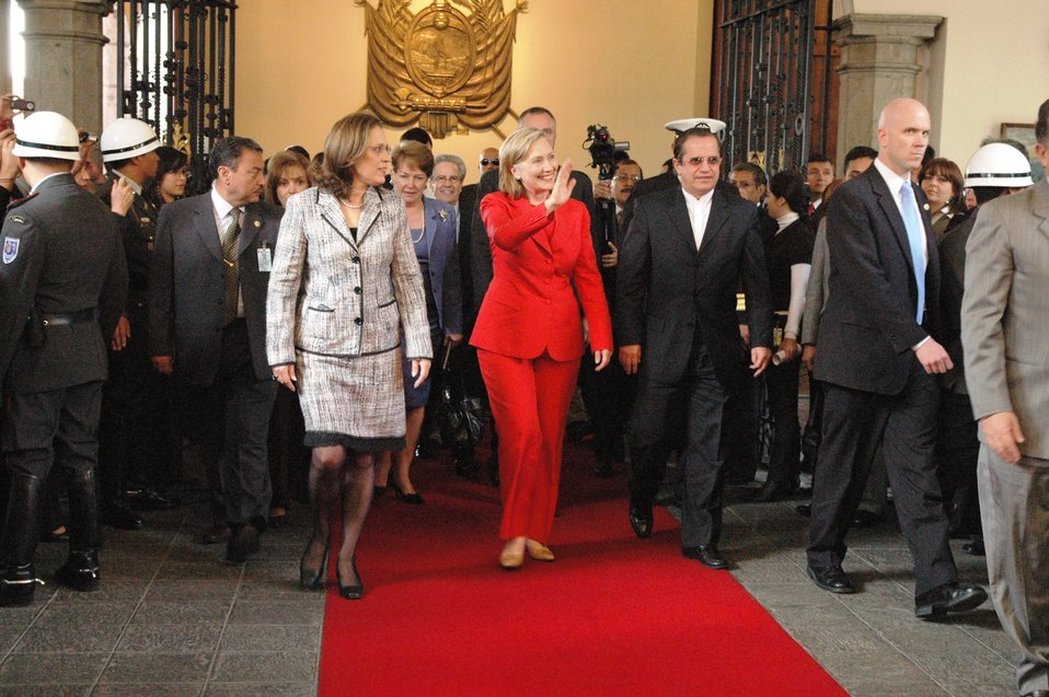 Secretary Clinton and Ecuadorian President Correa Walk to Bilateral Meeting