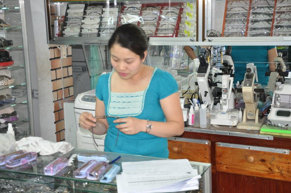 Eye glasses production in Kon Tum Province