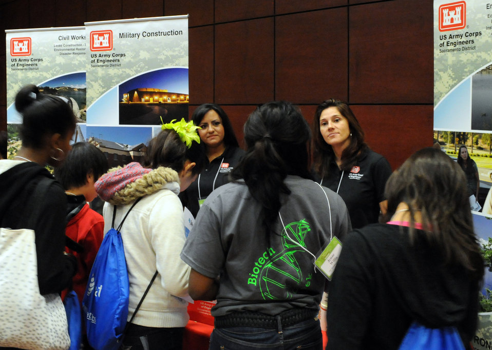 Army Corps connects with female students at CSUS conference