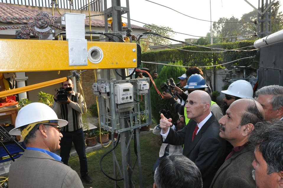 Breifing about linemen tools and loaders (2)