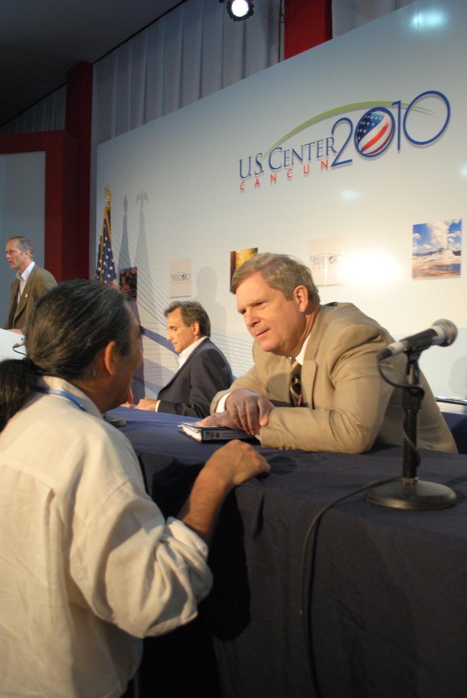 Secretary Vilsack Speaks With a Member of the Audience