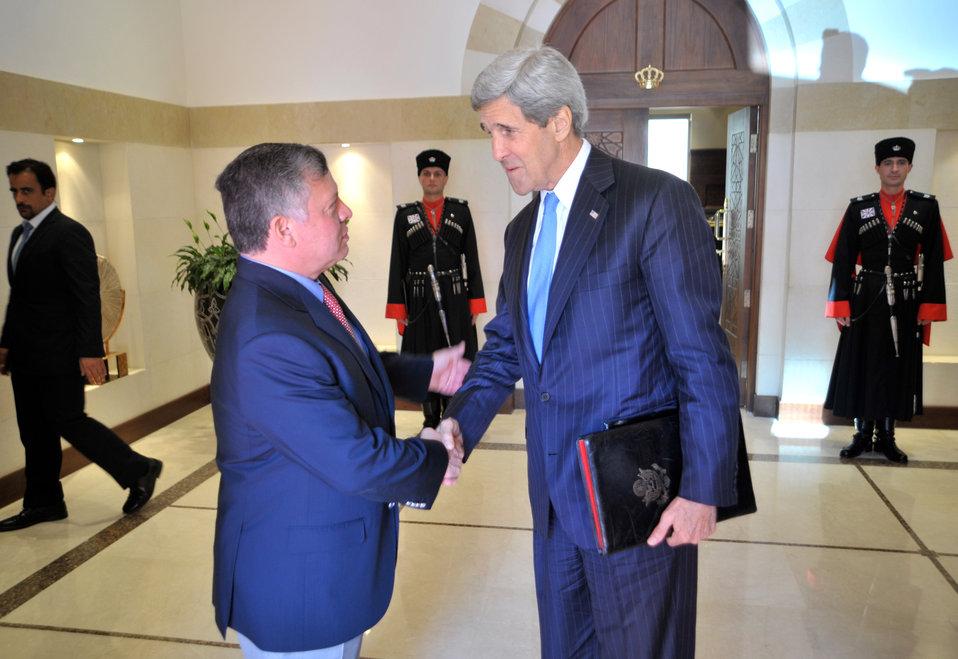Secretary Kerry Bids Farewell to King Abdullah II