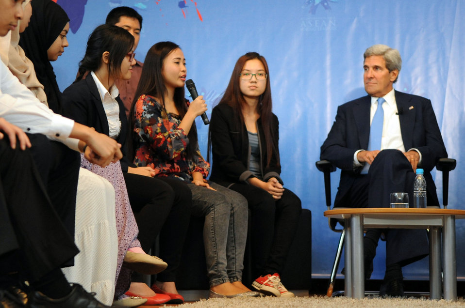 An ASEAN Youth Leader Asks Secretary Kerry a Question