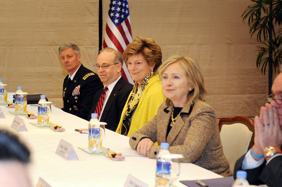 Secretary Clinton, Ambassador Stephens and Others Listen to Republic of Korea Foreign Minister Kim Sung-hwan