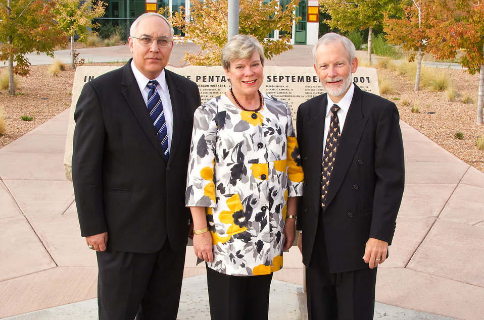 Assistant Secretary Gottemoeller Meets With Kevin Smith and William S. Rees at Los Alamos National Laboratory