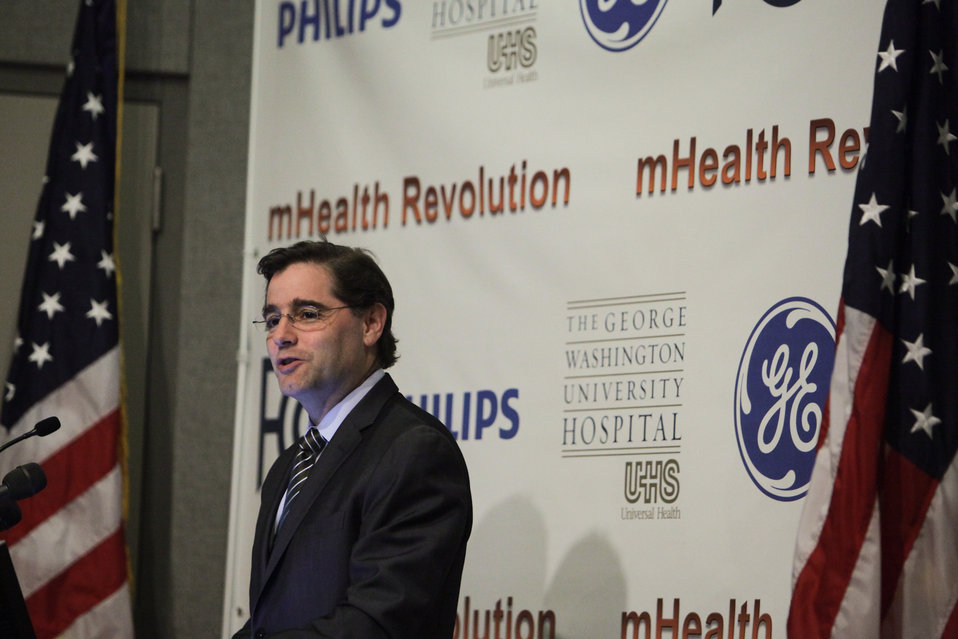 FCC Chairman Genachowski Speaks at GW University Hospital About MBANs