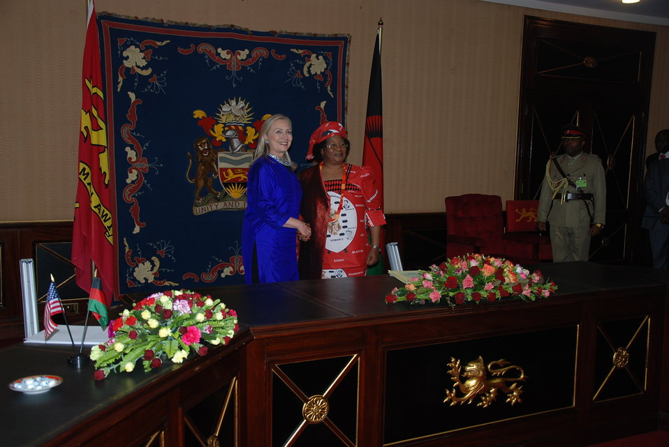 Secretary Clinton and President Banda in Malawi