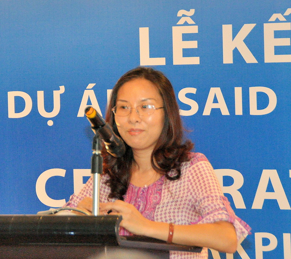 Mrs Mai Thi Dieu Huyen of VCCI's Vietnam Women Entrepreneur Council speaks at the completion event.