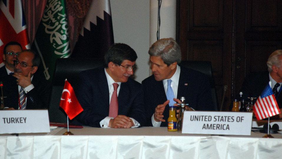 Secretary Kerry Speaks With Turkish Foreign Minister Davutoglu