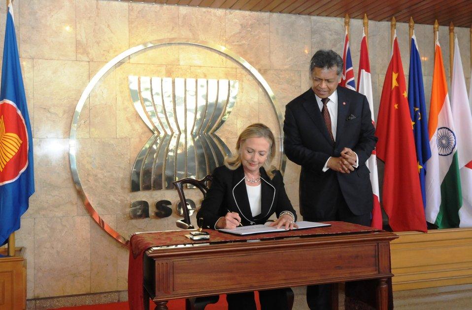 Secretary Clinton Signs the Guest Book at the ASEAN Secretariat