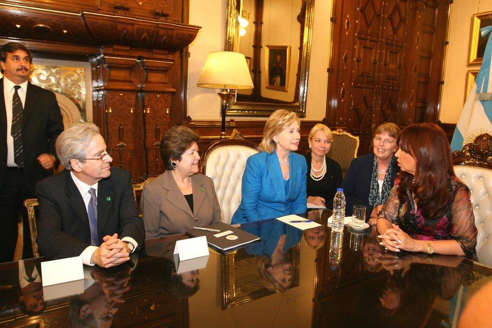 Secretary Clinton Meets With Argentine President Cristina Fernandez de Kirchner