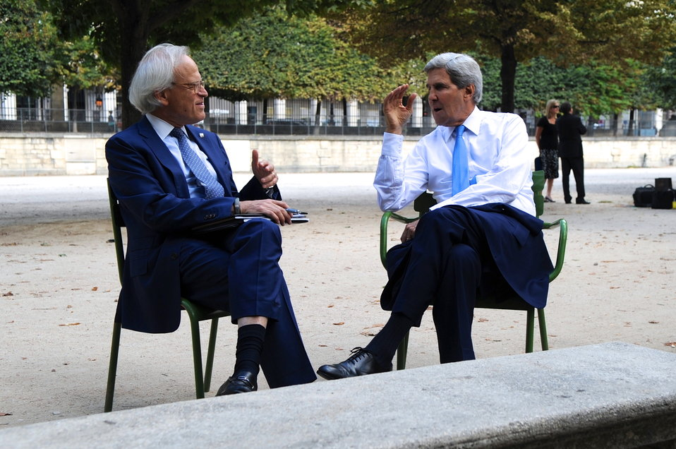Secretary Kerry Chats With Special Envoy for Israeli-Palestinian Negotiations Indyk