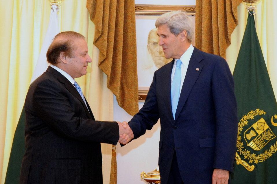Secretary Kerry meets with Pakistani Prime Minister Sharif