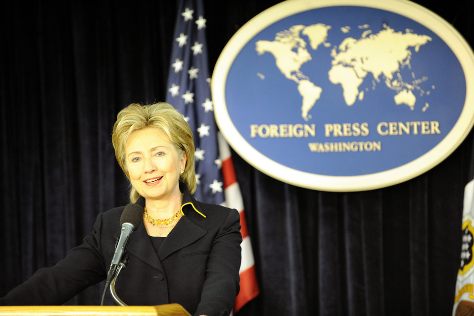 Secretary Clinton Marks Global Press Freedom Day at U.S. Foreign Press Center