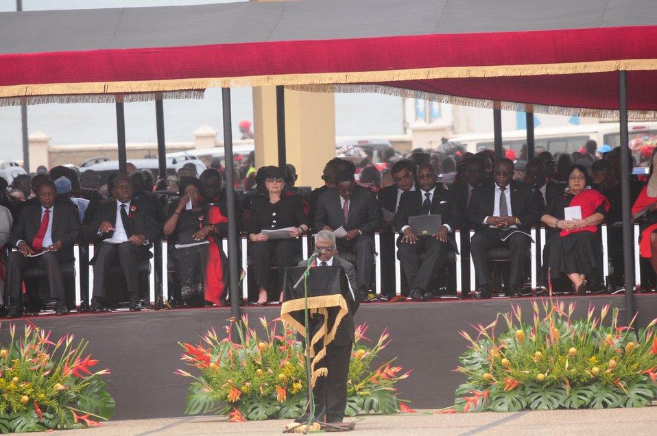 Secretary Clinton Pays Tribute to Ghanaian President Mills