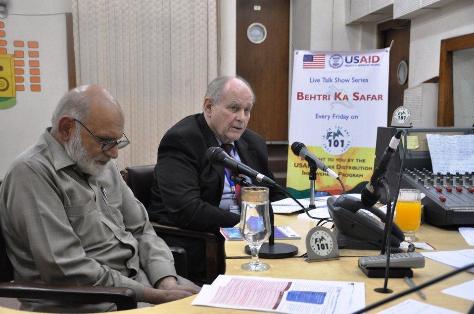 23 Sept, 2011 - Live Talk Show Series Every Friday 'Behtari Ka Safar' on FM 101