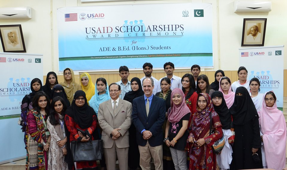 Group photograph of scholarship recipients
