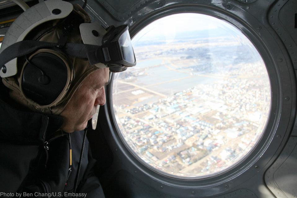 Ambassador Roos Views Tsunami-Hit Areas