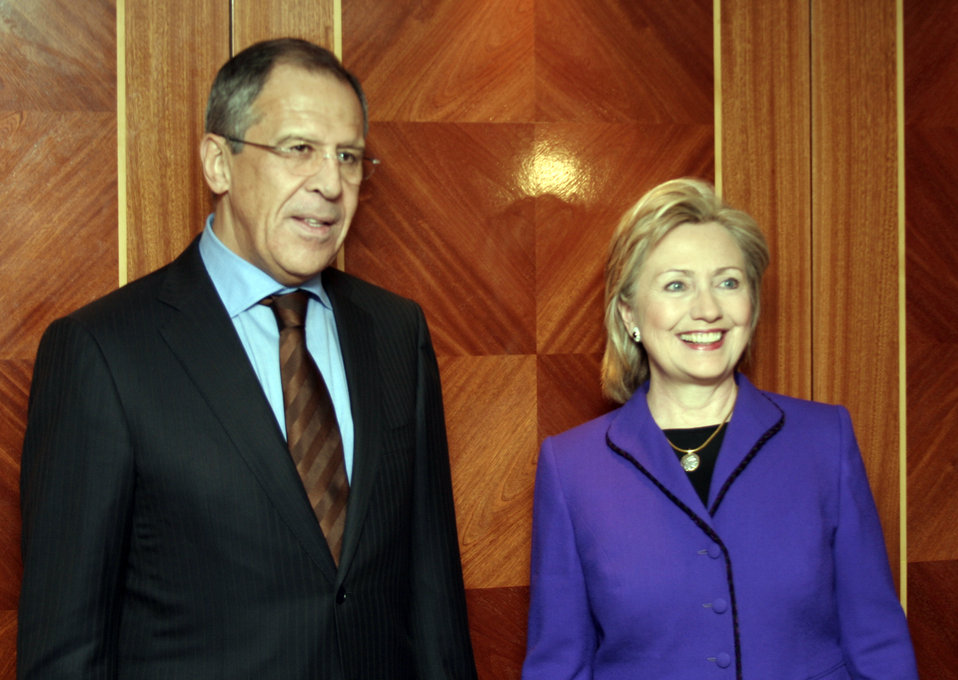 Secretary Clinton Meets With Russian Foreign Minister