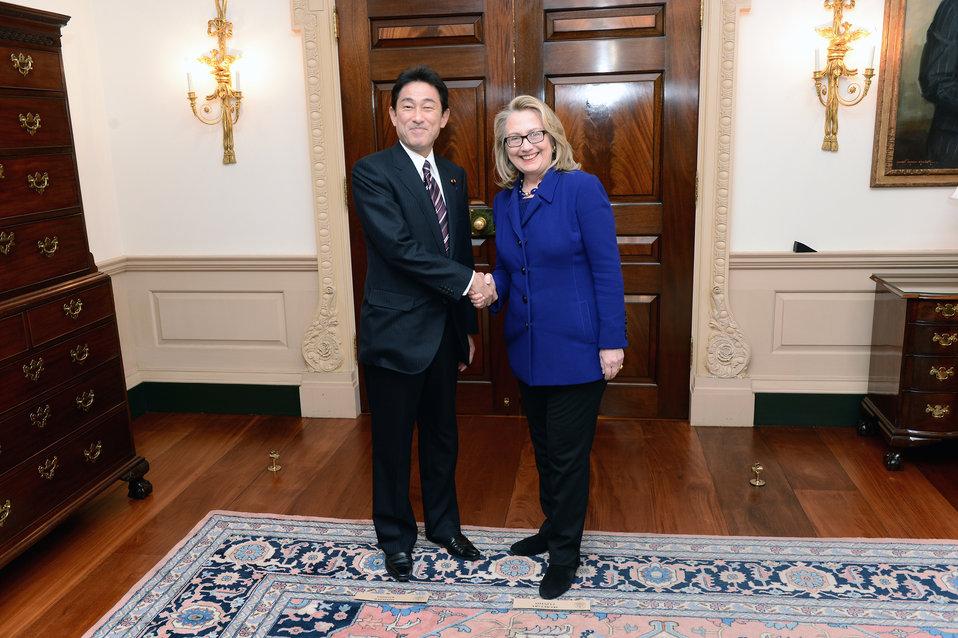 Secretary Clinton Meets With Japanese Foreign Minister Kishida