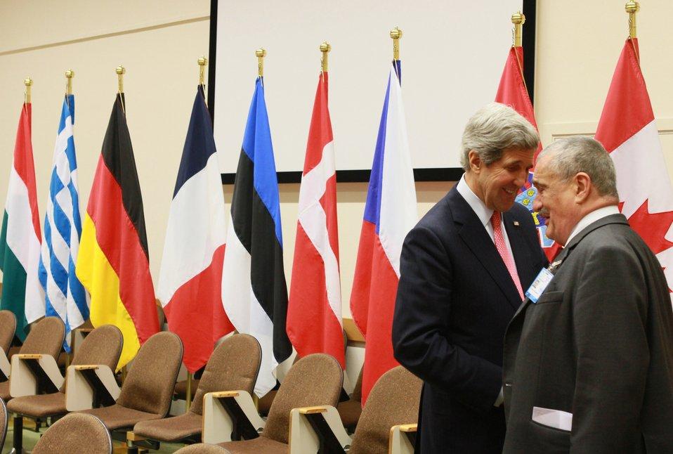 Secretary Kerry Meets With Czech Foreign Minister Schwarzenberg