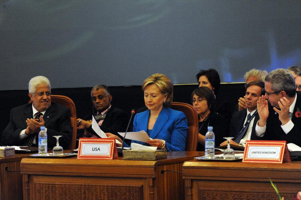 Secretary Clinton Attends 6th Forum for the Future