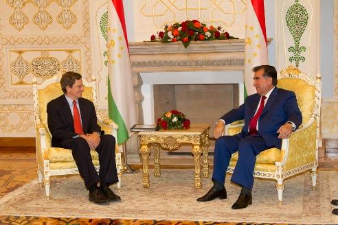 Ambassador Grossman Meets With Tajik President Rahmon