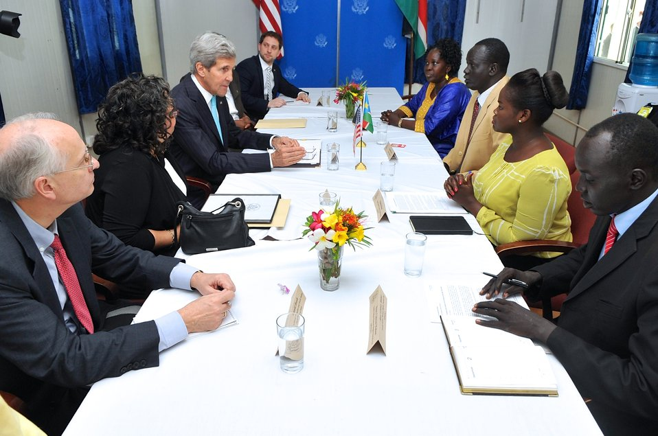 Secretary Kerry Meets With Members of South Sudanese Civil Society