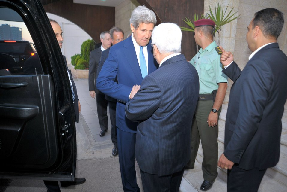 Secretary Kerry Bids Farewell to Palestinian Authority President Abbas